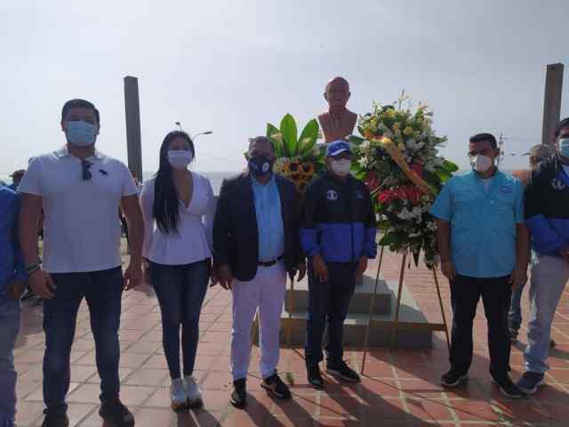 Actores políticos y de otras fuerzas regionales escucharon atentos el Manifiesto de Pampatar
