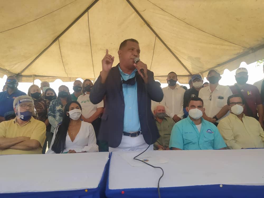 El gobernador Alfredo Díaz renovó el llamado a conformar la unidad superior para una salida democrática