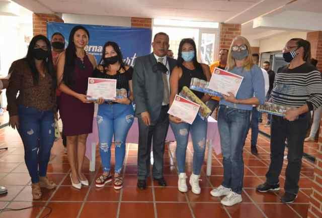 Unas 210 mujeres fueron beneficiadas con los programas sociales de la Fundación Social Nueva Esparta