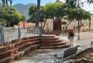 La plaza Bolívar asuntina recibió la jornada de desinfección