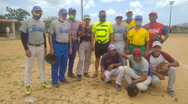 El equipo de las Glorias del beisbol del municipio Marcano