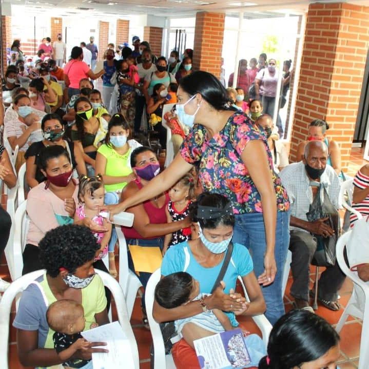 Madres y gestantes recibieron canastillas y productos para la alimentación e higiene del bebé.