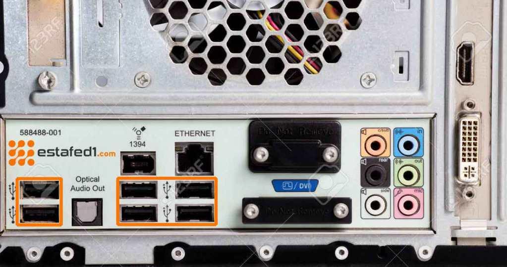 تسريع نقل الملفات USB من خلال توصيل الفلاشة بالمنفذ الخلفي