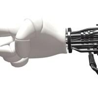 ¿Futuros cíborgs? 3 de cada 5 personas mejoraría sus capacidades físicas y cognitivas a través de la tecnología