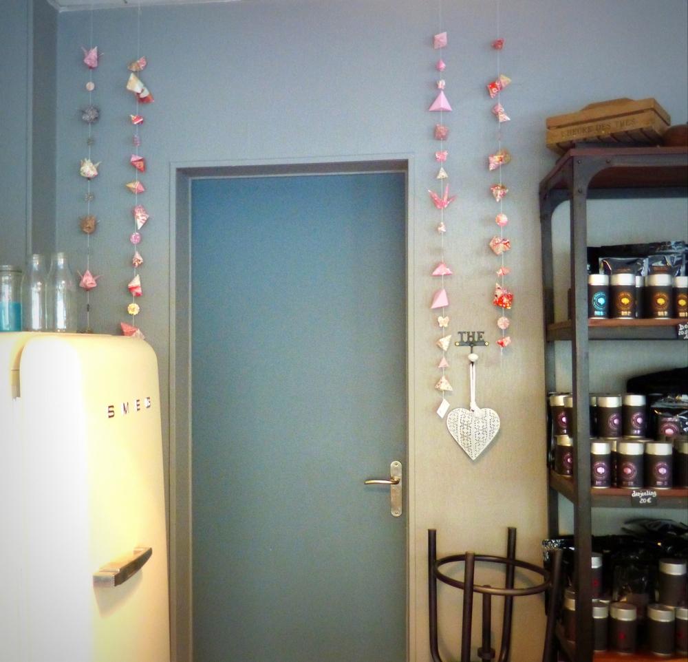 Guirlandes roses Chez Célestine