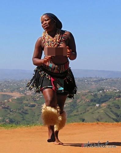 Bekaret-diplomasndan-sonra-kutlama--afrika-zulular-zulu-kabiles-bekaret-cinsel-iliski-8