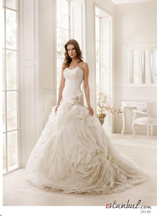 Zeynep-Ekin-Gelinlik-ve-Nişanlık-Modelleri-Ankara-15-511x700