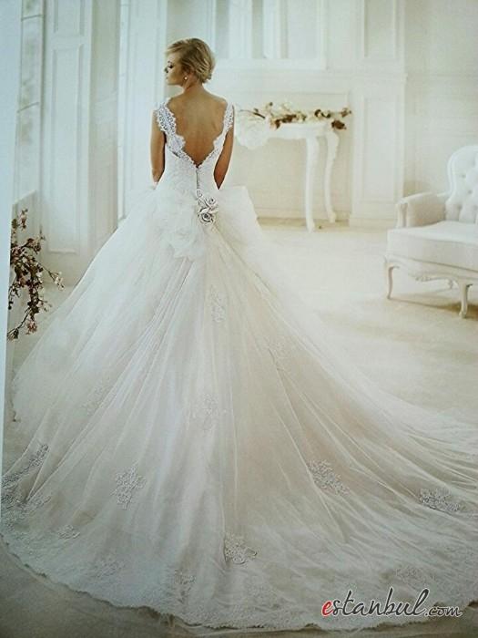 Zeynep-Ekin-Gelinlik-ve-Nişanlık-Modelleri-Ankara-2-525x700