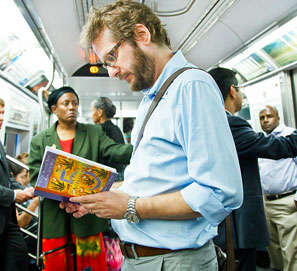 Underground New York Public Library, lectores del metro de Nueva York