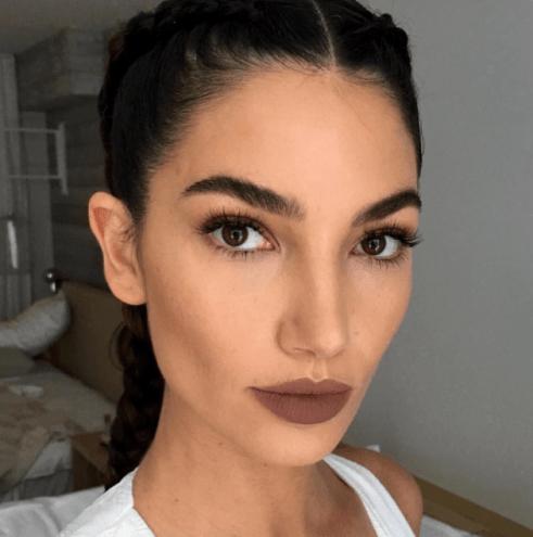 Resultado de imagen de maquillaje labios marrones