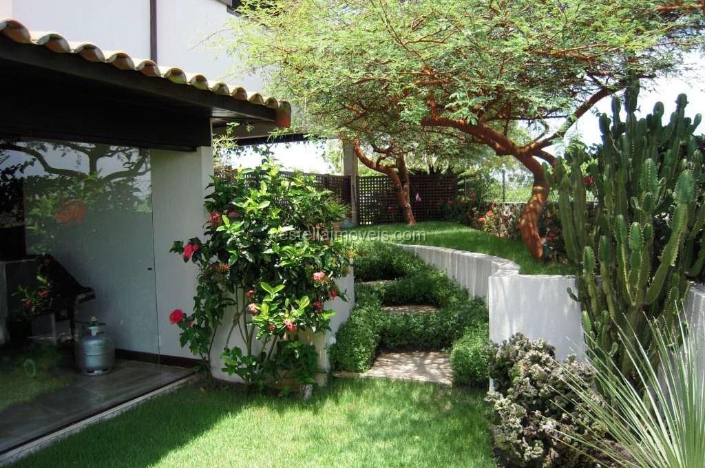 Entrada Casa Jardim 3 (2017_05_03 23_41_43 UTC)