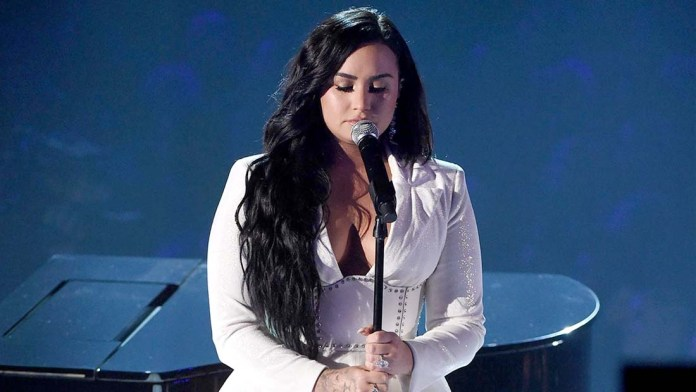Get the Grammys Look! Demi Lovato's Tousled Waves by Paul Norton