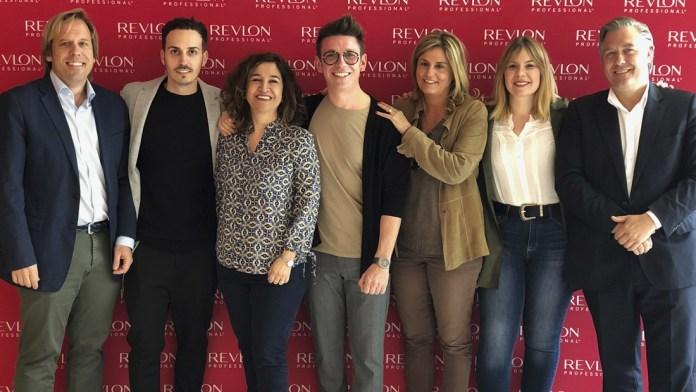 Salones Carlos Valiente y Revlon revalidan su exitosa unión, con un acuerdo de larga duración
