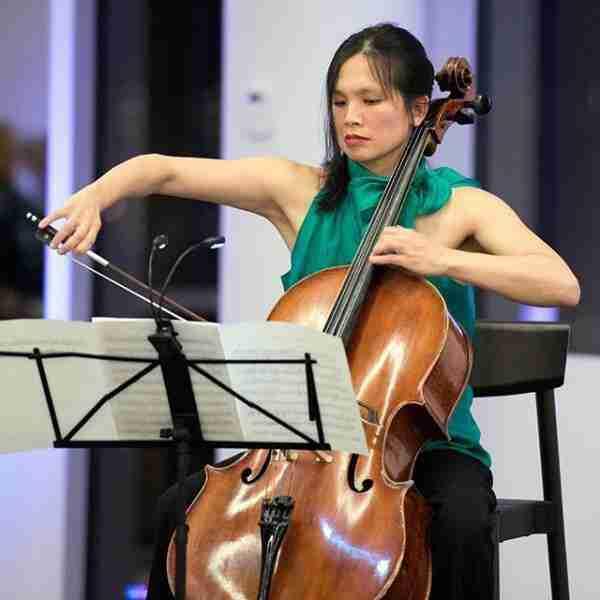 celliste Julia Tom