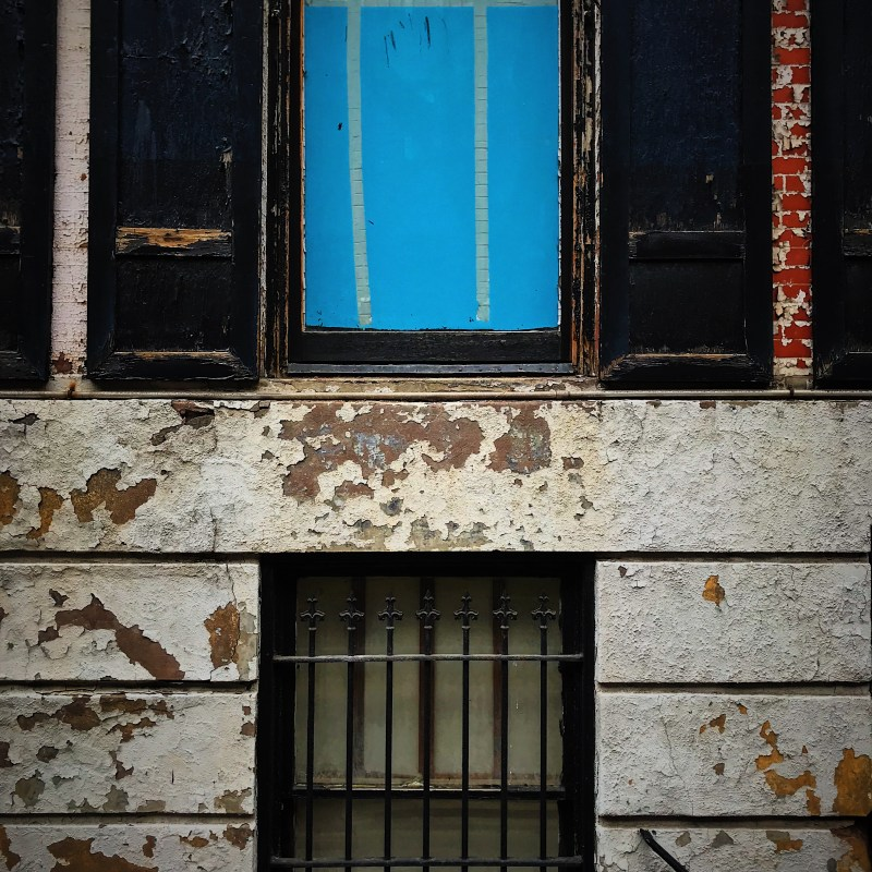 Blue_window_©_dave_roth