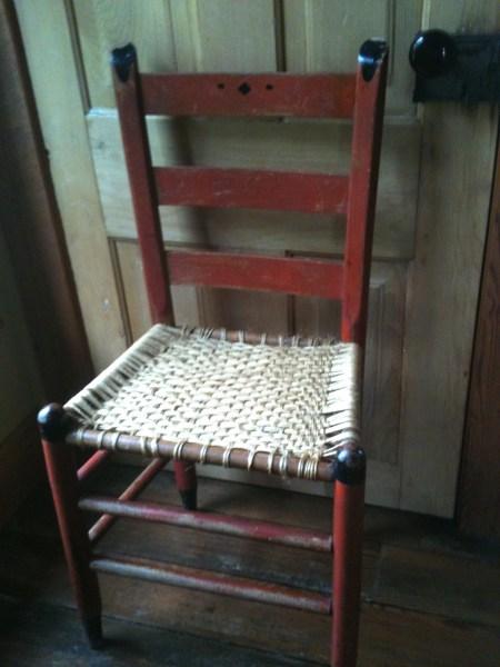 Picture of worn chair. Hollie's chair. www.estillyen.com