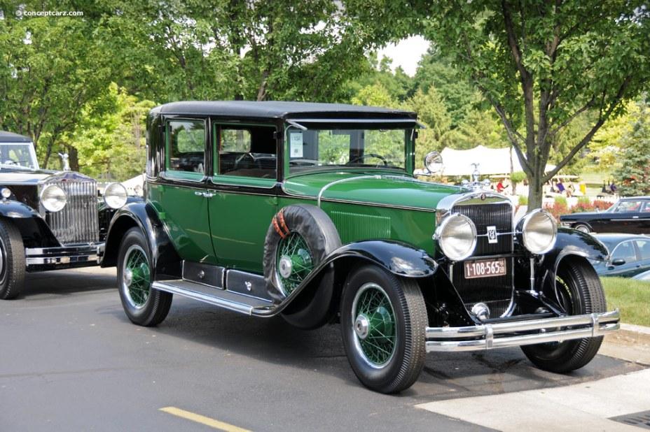 Cadillac-V8-AlCapone-