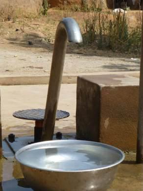 Destino Benín, ayuda a llevar agua potable a sus hogares
