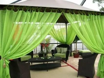 con telas en jardines y terrazas
