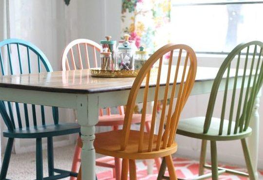 Sillas de colores para un comedor con estilo | Estilo y ...