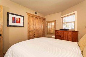 Aspen real estate 101616 143066 809 S Aspen Street 4 190H