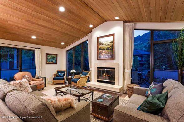 Aspen real estate 101616 144839 320 W Bleeker Street 2 590W