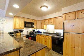 H Aspen real estate 102316 141979 731 E Durant Street 23 3