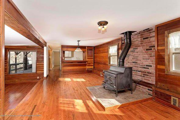 Aspen real estate 020517 146659 14 Aspen Village 2 590W