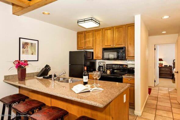 Aspen real estate 032617 144130 610 S West End Street J203 2 590W