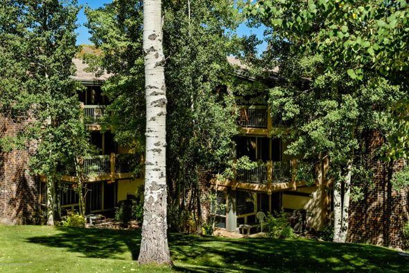 Aspen real estate 071617 146108 855 Carriage Way 408 1 590W
