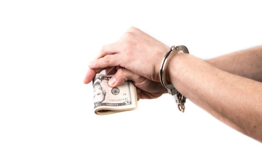 Sanción de tres meses a seis años de prisión a quien adquiera comprobantes fiscales que amparen operaciones inexistentes