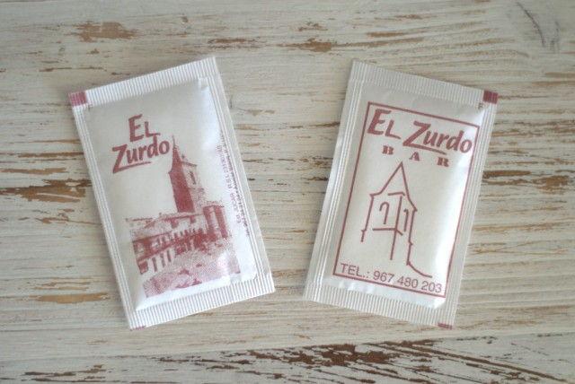 """Sobres de azúcar de """"El Zurdo"""""""