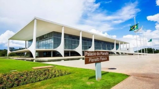 O Palácio do Planalto, sede do Poder Executivo Federal - Estudo ...