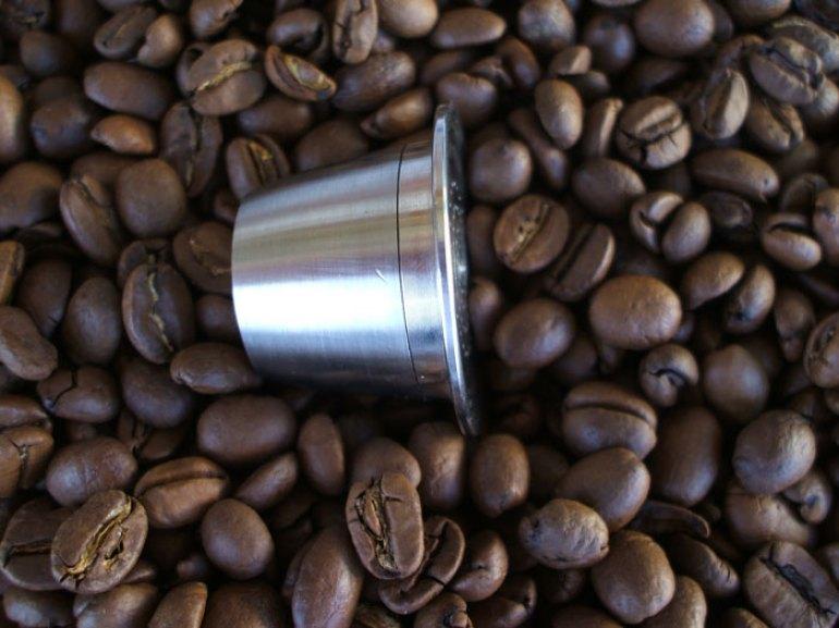 Capsula café recargable acero