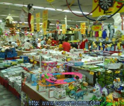 Cheap Christmas decoration and gifts