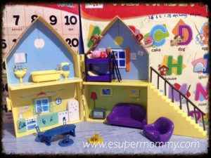 Look Peppa Pig's Playhouse