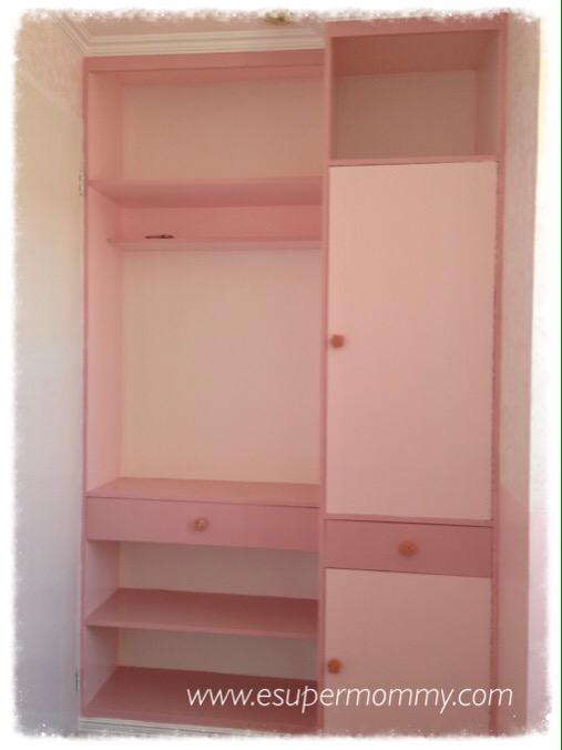 Girl's built-in closet design