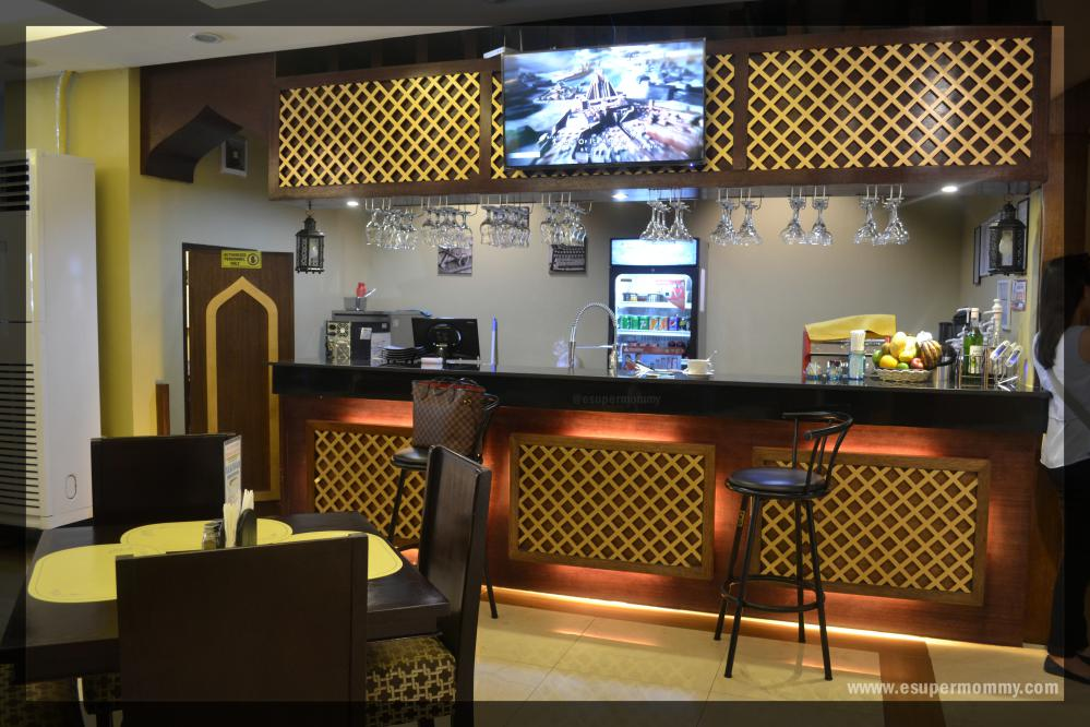 Al-qaysar-bar-counter