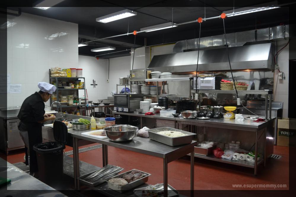 Al-qaysar-kitchen-area