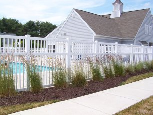 Fenwick Closed Rail Vinyl Fence