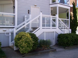 Kent Vinyl Glass Railing System