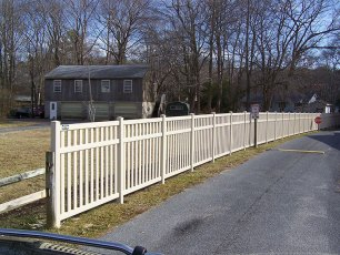 Woodlawn Closed Rail Vinyl Fence