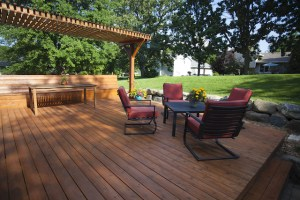 3 Common Composite Deck Installation Mistakes to Avoid