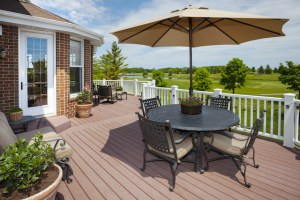 Creative Ways to Style Your Deck this Spring