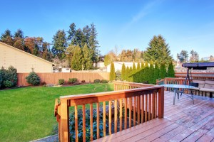 Summer Decorating Tips for Your Home's Deck