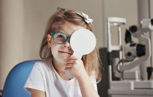 nena-consulta-oftalmologia-hospital-sant-joan-deu-barcelona