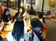 Cafe Ramai Pengunjung