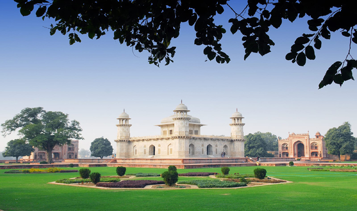 BEST PLACES TO VISIT IN AGRA-Tomb of Itimad-ud-Daulah