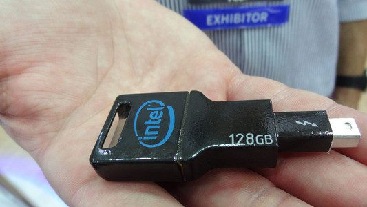 intel_thunderbolt_flash_drive