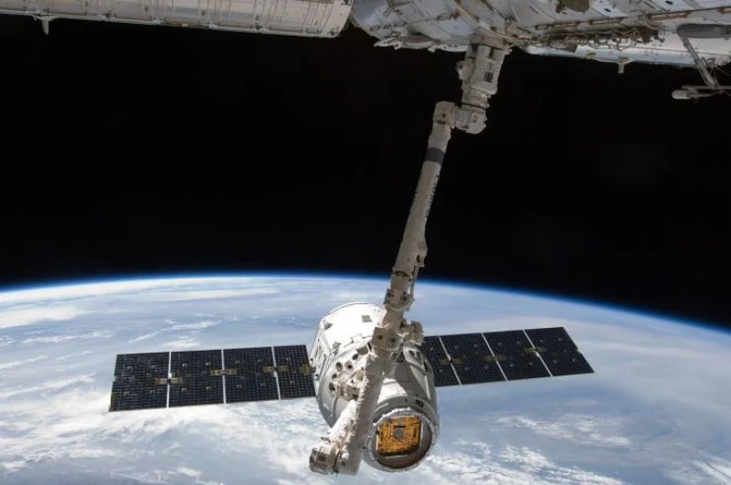 spacex satellite